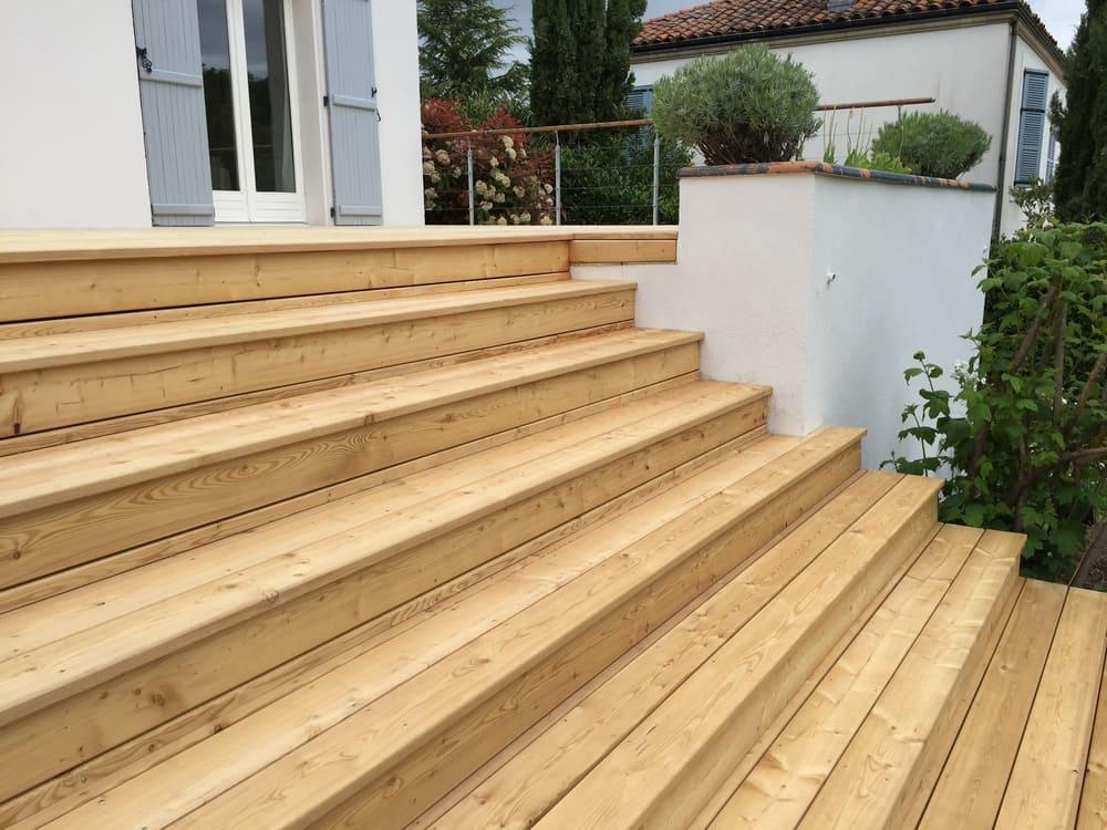 Créasol - Escalier extérieur en bois (63)