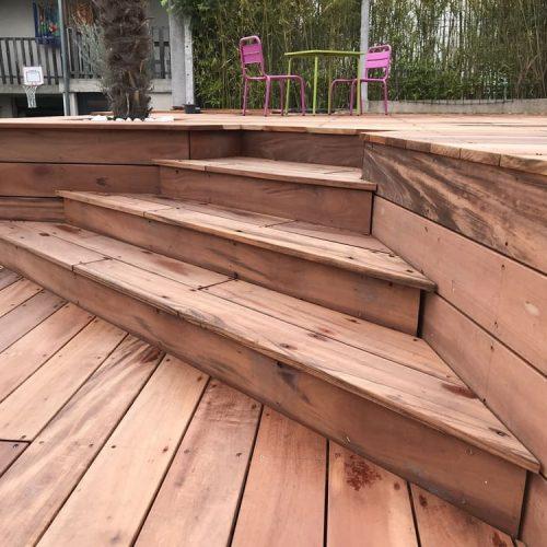Escalier en bois extérieur - Créasol Auvergne (63)