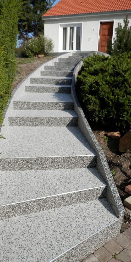 Créasol Auvergne (63) - Escalier extérieur en résine à Clermont-Ferrand